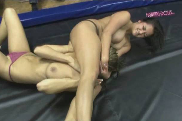 Mel Vs Kim Ly Fighting Dolls Eclusive Real Female And