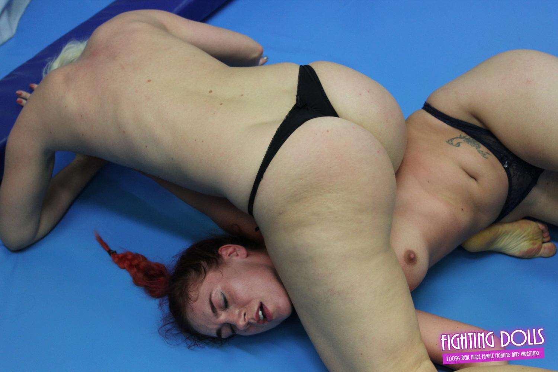 nude wrestling dww