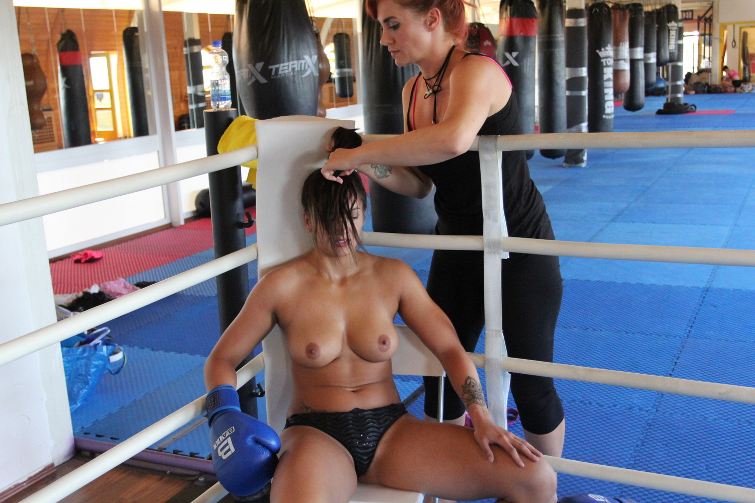 Hot but nude boxing video films