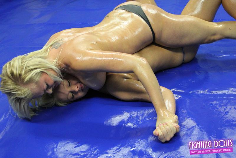 Wrestling Oil Blond 22